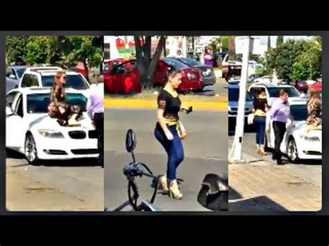 imagenes mujeres pegandole al marido mujer se sube al carro de su esposo para que se baje su