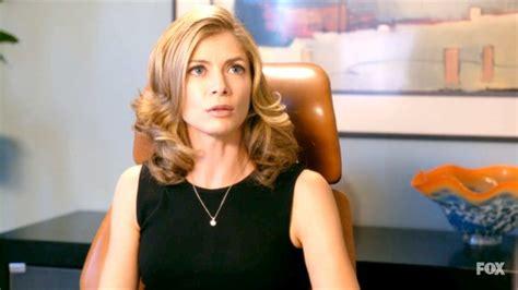 commercial actress gillian gillian vigman photos photos new girl season 1 episode