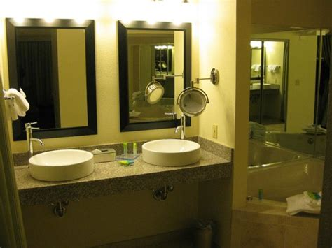 Hotel Bathroom Fixtures Whirlpool Tub Picture Of Radisson Hotel Branson Branson Tripadvisor