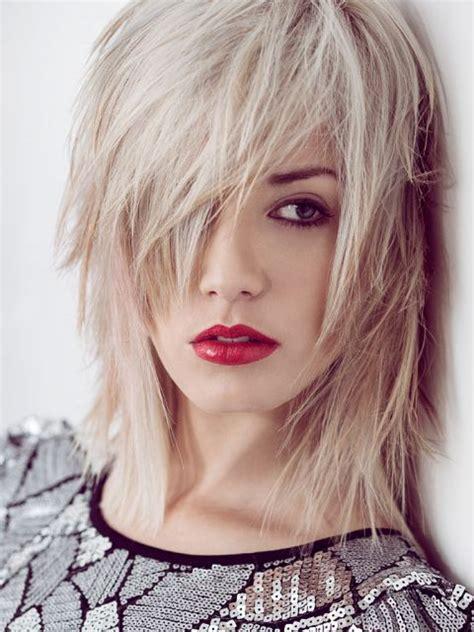 unsere top  blonde mittellange frisuren platz