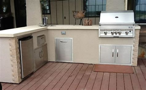 flo grills outdoor kitchen in stucco finish the showroom at flo grills of austin pinterest
