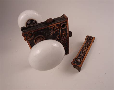Porcelain Door Knobs Antique by Antique White Porcelain Door Knobs With Brass Lock Set Ebay