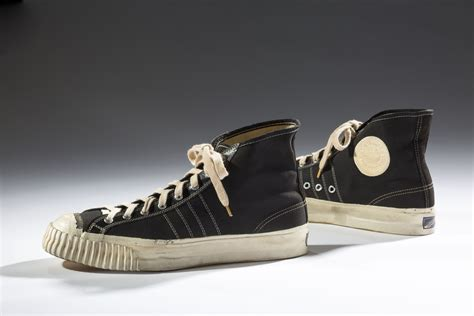 aj smith rubber sts la cultura sneaker 232 in mostra a new york wired