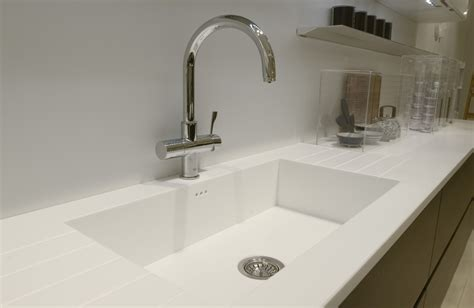 White Solid Surface Kitchen Countertops Guide To Finding Corian 174 Glacier White And Other Solid