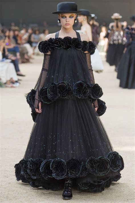 Couture Extravaganza by D 233 Fil 233 Chanel Haute Couture Automne Hiver 2017 2018