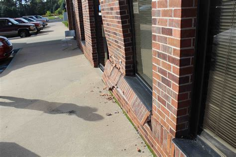 Great Lakes Family Care Cadillac Mi by Driver Crashes Into Great Lakes Family Care In Cadillac