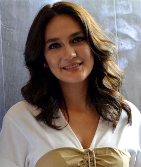 film baru luna maya luna maya alih profesi indonesiadaily co id