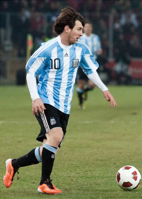fb wiki file lionel messi player of argentina national football