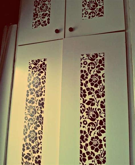decorare armadio decorare un armadio con la carta da parati ante con