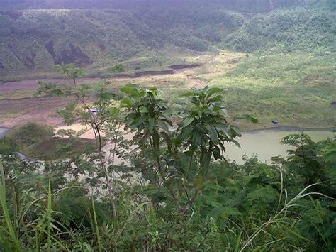 galunggung volcano picture  tasikmalaya west java