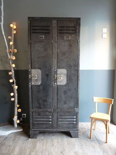 armoire métallique industrielle inspirations pour une d 233 co de chambre style industriel
