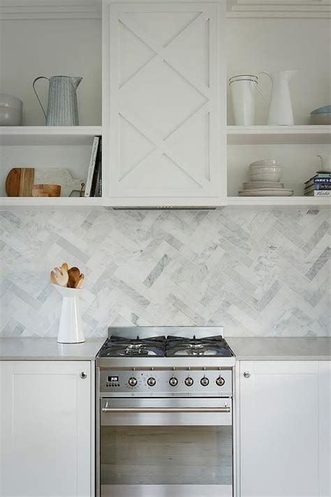 light gray quartz countertops 17 best images about caesarstone kitchens on pinterest