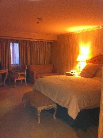 rooms in wendover table chairs desk area picture of peppermill wendover hotel casino west wendover tripadvisor