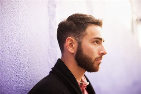 suitable hairstyles of men with heavy face how to find the right beard style for your face shape