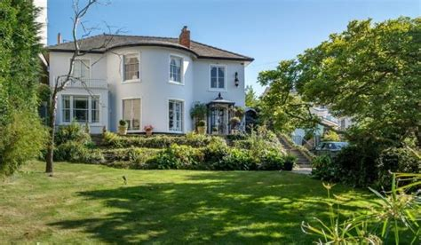 living in isle of wight zoopla