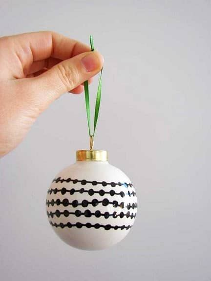 10 diy christmas ornaments you can make in 5 minutes yes