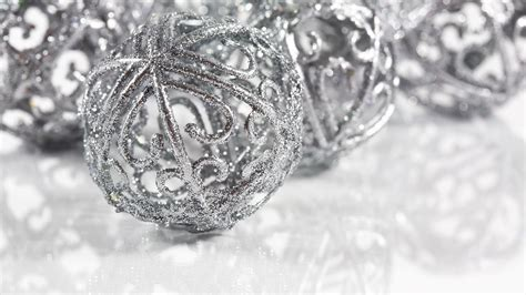 silver christmas ball picture hd wallpapers