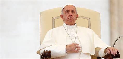 santa sede papa francesco papa francesco tra veleni e congiure in vaticano ha
