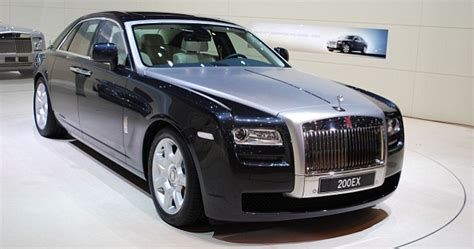 royal rolls car how vulgar 163 1 million 24 carat gold rolls royce is