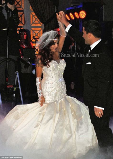 snooki wedding snooki shares new photos from her wedding day after tying