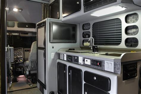 Semi Truck Inside Sleeper by 1000 Images About Big Interior Truck Sleeper On