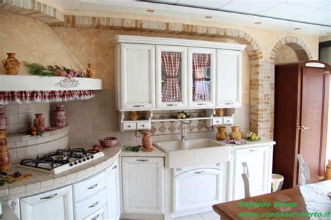 cucina provenzale cucine provenzali moderne interesting cucina giada with