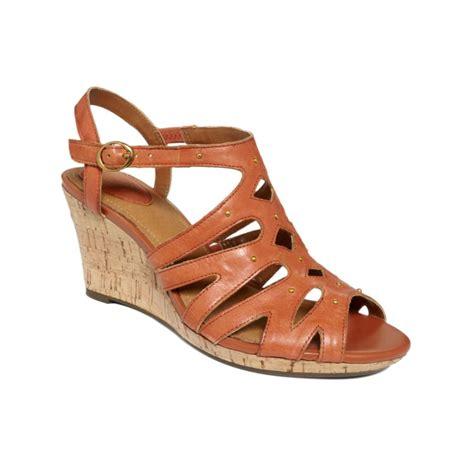 string sandals clarks artisan fiddle string sandals in brown burnt