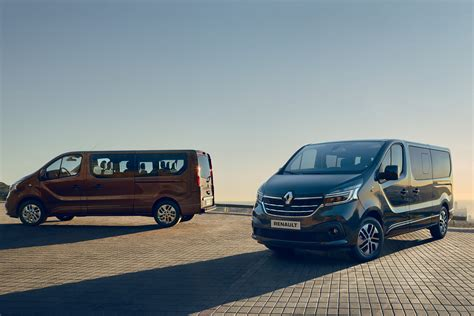 2019 Renault Trafic renault trafic gets a new facelift for 2019 auto express