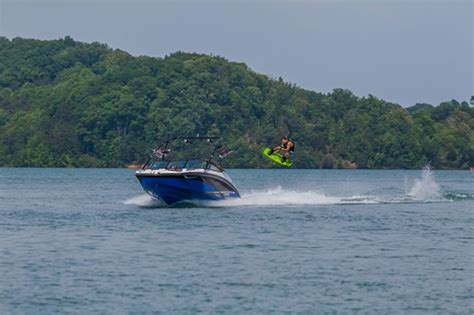 yamaha boats reviews 2016 yamaha 212x jet boat boat review boatdealers ca