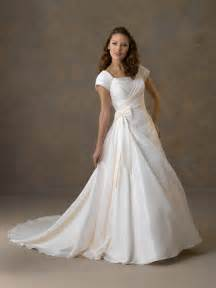 weddings dresses with sleeves different types of wedding dresses with sleeves