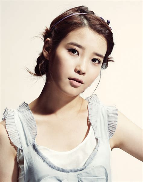 Biography Iu Korean Singer | welcome to ask k pop iu singer gallery