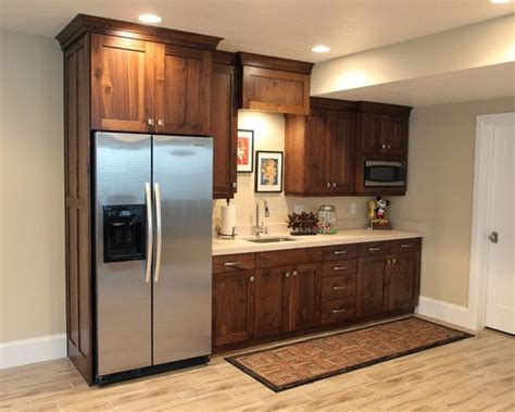 Basement Kitchen Cabinets by Best 25 Basement Kitchen Ideas On Pinterest Basement