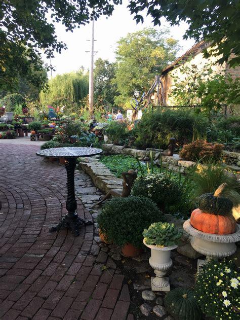 garden blumen plants and pianos mingle at blumen gardens dueling piano