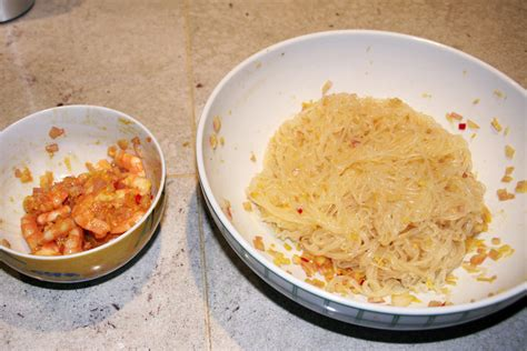 cuisine japonaise calories shirataki aux crevettes piment 233 es saut 233 s la cuisine
