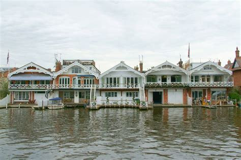 thames floating house 97 best images about waterhouses house boats on pinterest