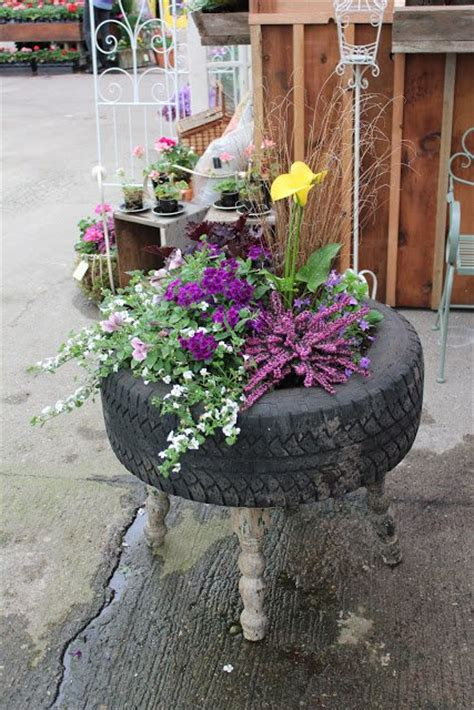 Tire Planters Garden by 20 Fabulous Diy Garden Projects For This Www