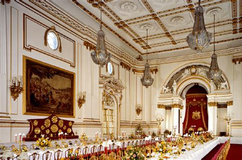 how many rooms in buckingham palace 83 buckingham palace and the state rooms 1000 things to do