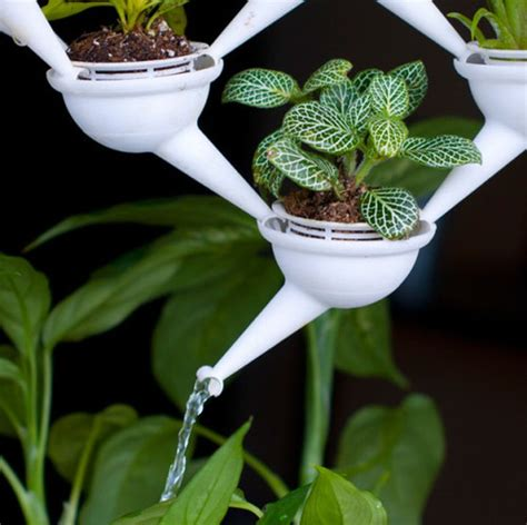 aqueduct 3d printed planter system with water transferring