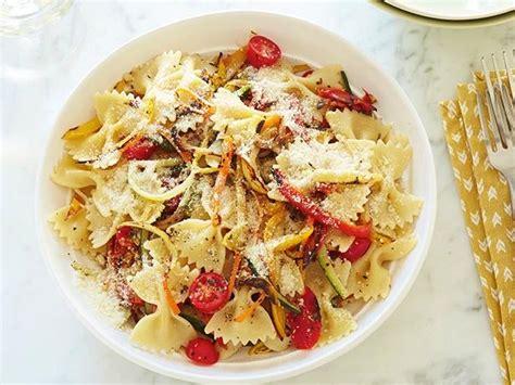 best pasta primavera recipe pasta primavera recipe giada de laurentiis food network