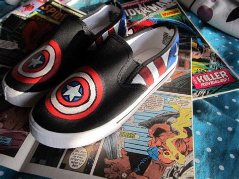 painted captain america slip on canvas shoes