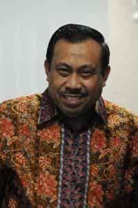 Hamka Yandhu Profil | profil tokoh indonesia h halaman 1 merdeka com