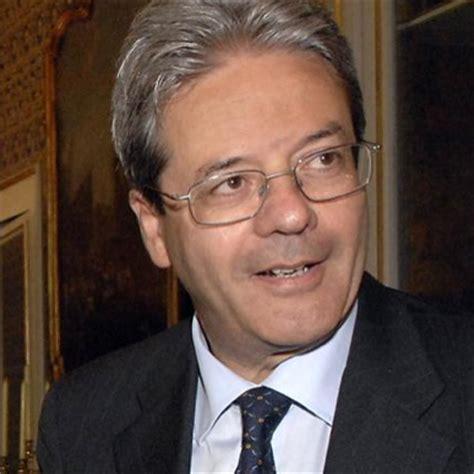 ministro esteri governo letta ministro gentiloni risolva il problema degli stage