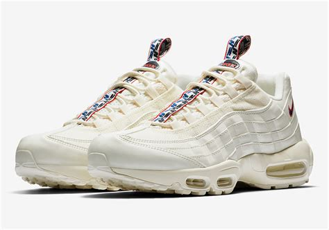 Nike Airmax Tab three new nike air max 95 colorways with unique pull tabs