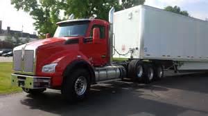 Truck Haulers Wheels Driving The Kenworth T680 Advantage T880