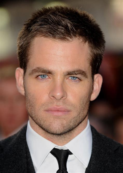 actor with bright blue eyes chris pine the hawtest james t kirk i mean c mon no