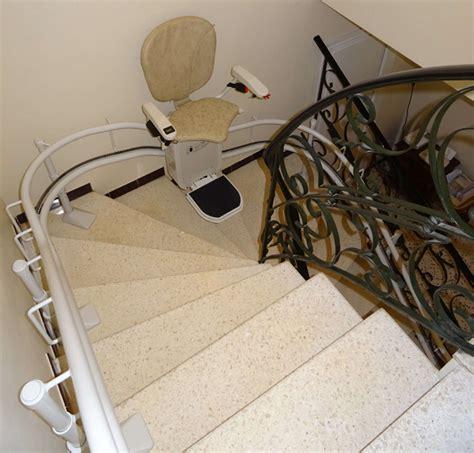 Chaise Monte Escalier by Chaise Monte Escalier Curve La Garde Adhemar 26700