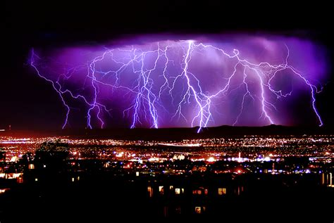 amazing light wallpaper lightning strikes