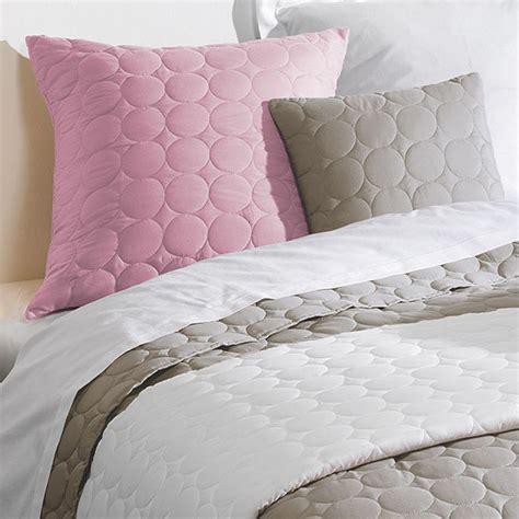 couvre lit uni couvre lit 220 x 240 cm couvre lit boutis