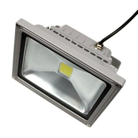 eclairage led exterieur 12v projecteur led 12v 20w 1490 lm sur solairepratique