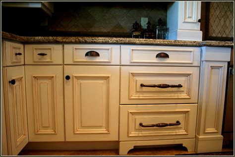 Kitchen Cabinet Hardware Trends by 2017 Kitchen Cabinet Hardware Trends Theydesign Net